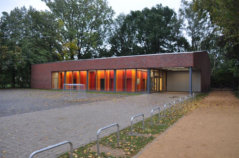 Sporthalle-in-Grossburgwedel-01